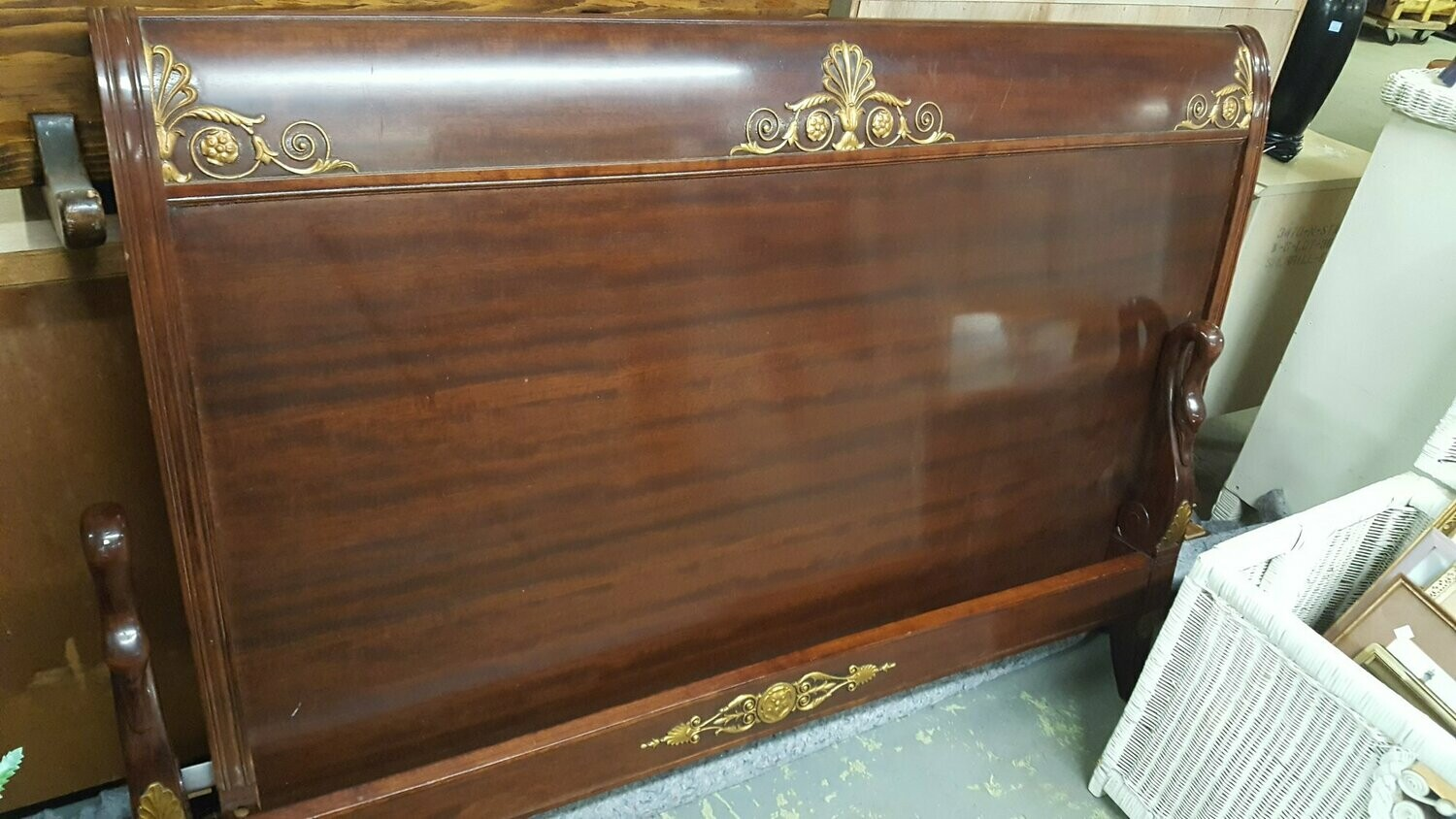 Vintage sleigh bed with Gooseneck footboard!