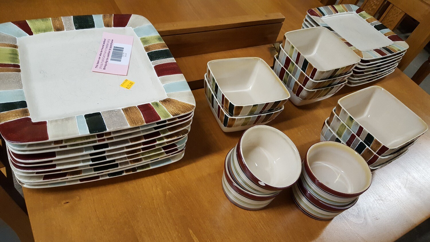 Dish Set by Jentry, 30 pieces