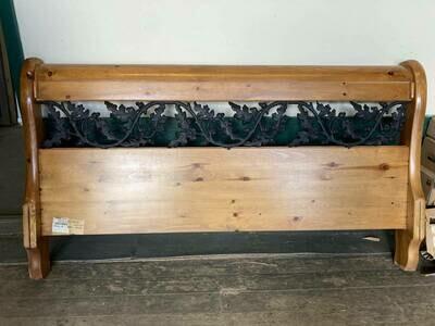 Queen Knotty Pine Bedroom Set