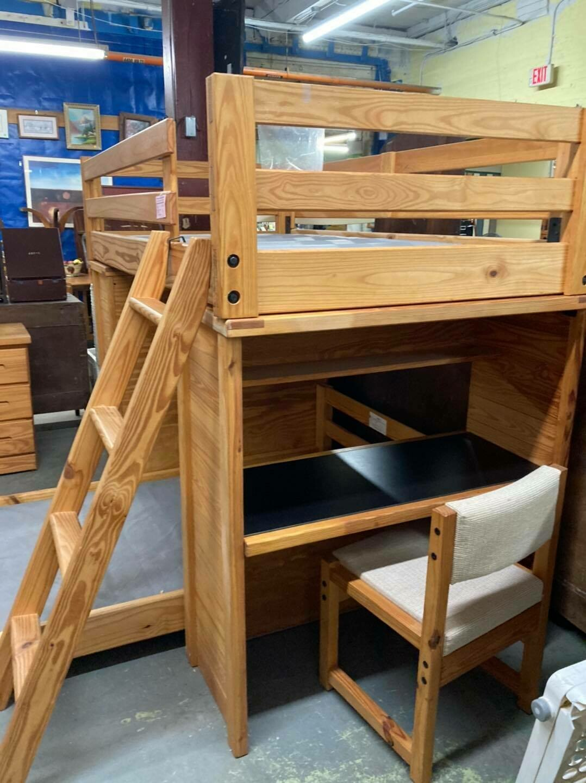 Rustic Pine Bedroom Set