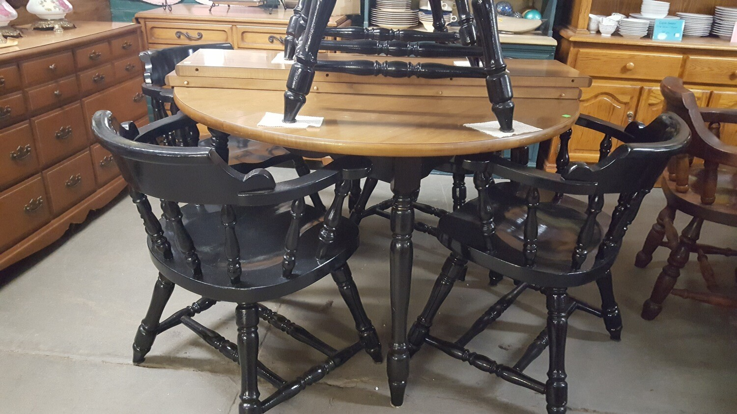 Kitchen Table, 6 Chairs by Hale (GR)