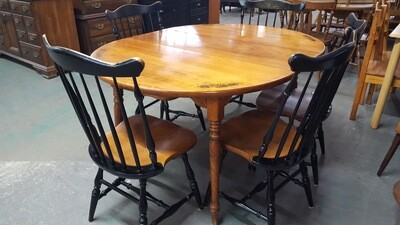 Hitchcock Table, 5 chairs