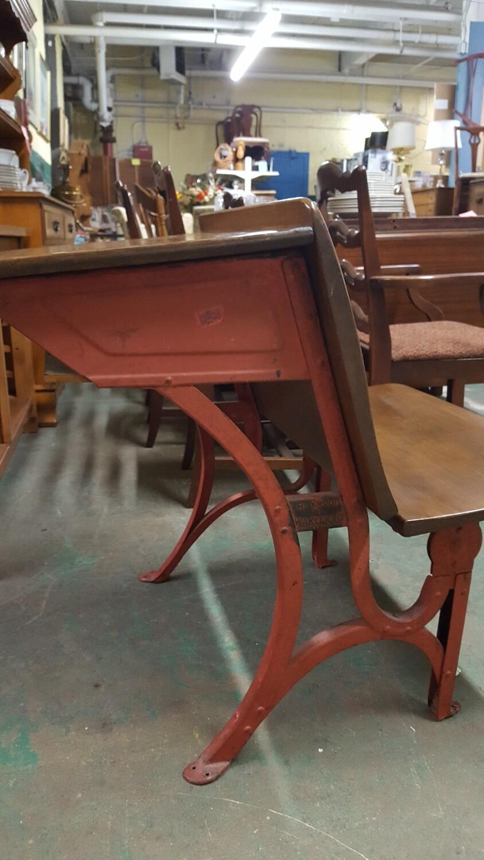 Antique Classroom Desk (OR)