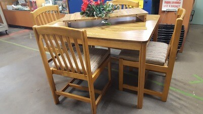 Dining Table, 4 chairs fabric seats (OR)