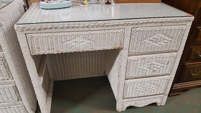 Wicker Desk, glass top (p)