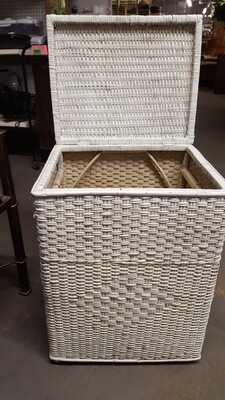 Wicker Hamper (CL)