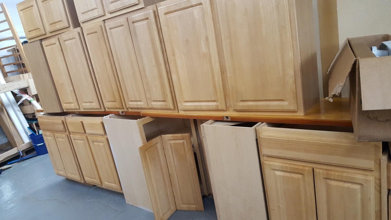 Oak Kitchen Cabinets 12+ (p)