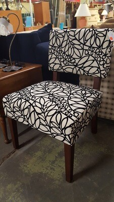 Armless Chair, black & white (B)