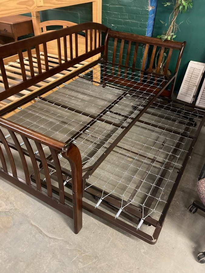 Daybed with Trundle (B)