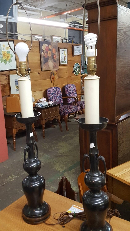 Tall lamp, vase look (B)