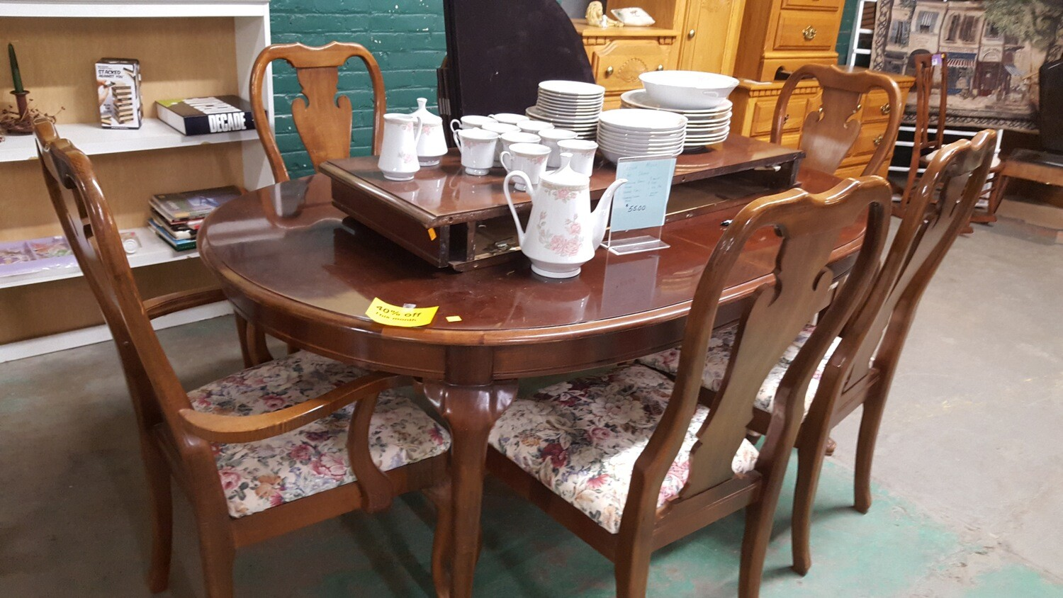 Thomasville table 6 chairs (cl)