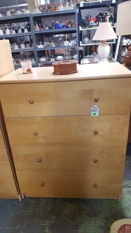 4-drawer Blonde Dresser (g)