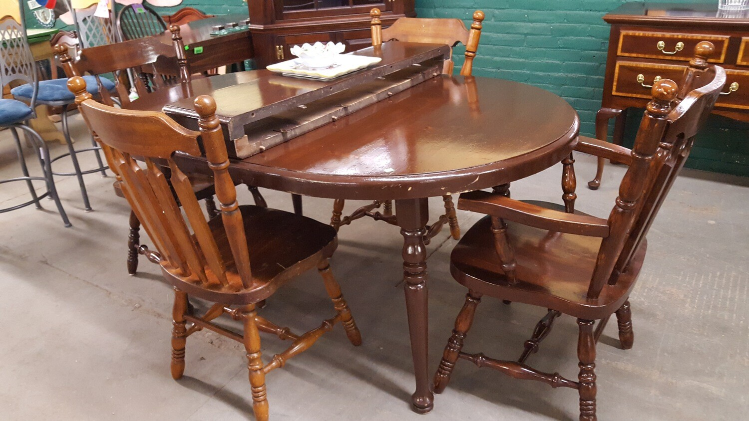 Pine Table 4 chairs (CL)