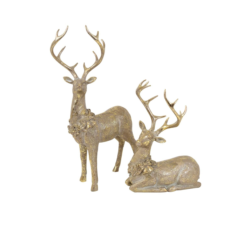 Deer-Champagne w Wreath Collar Sitting