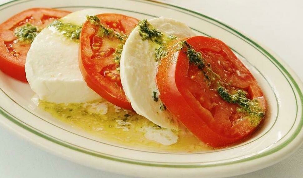 Fresh Mozzarella and Beefsteak Tomatoes