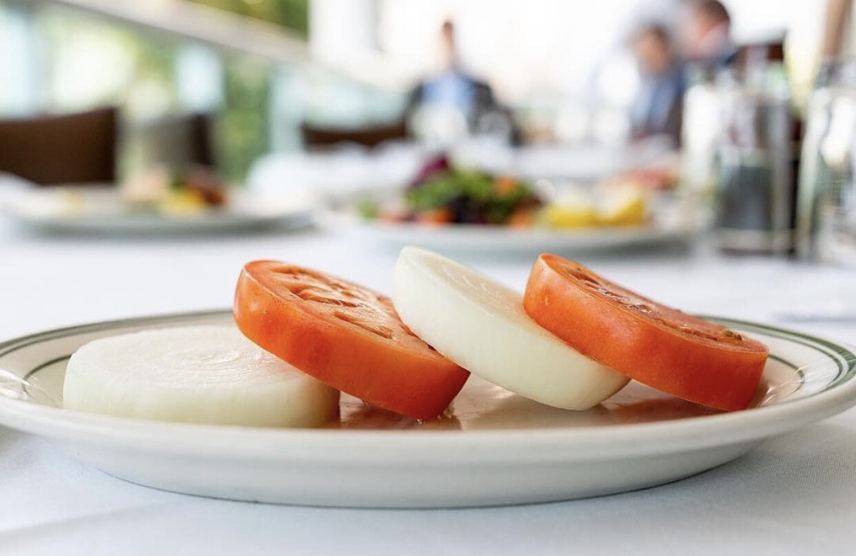 Sliced Beefsteak Tomato & Onions