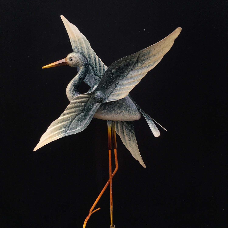 """""""Flying"""" Heron Wind Garden Ornament"""