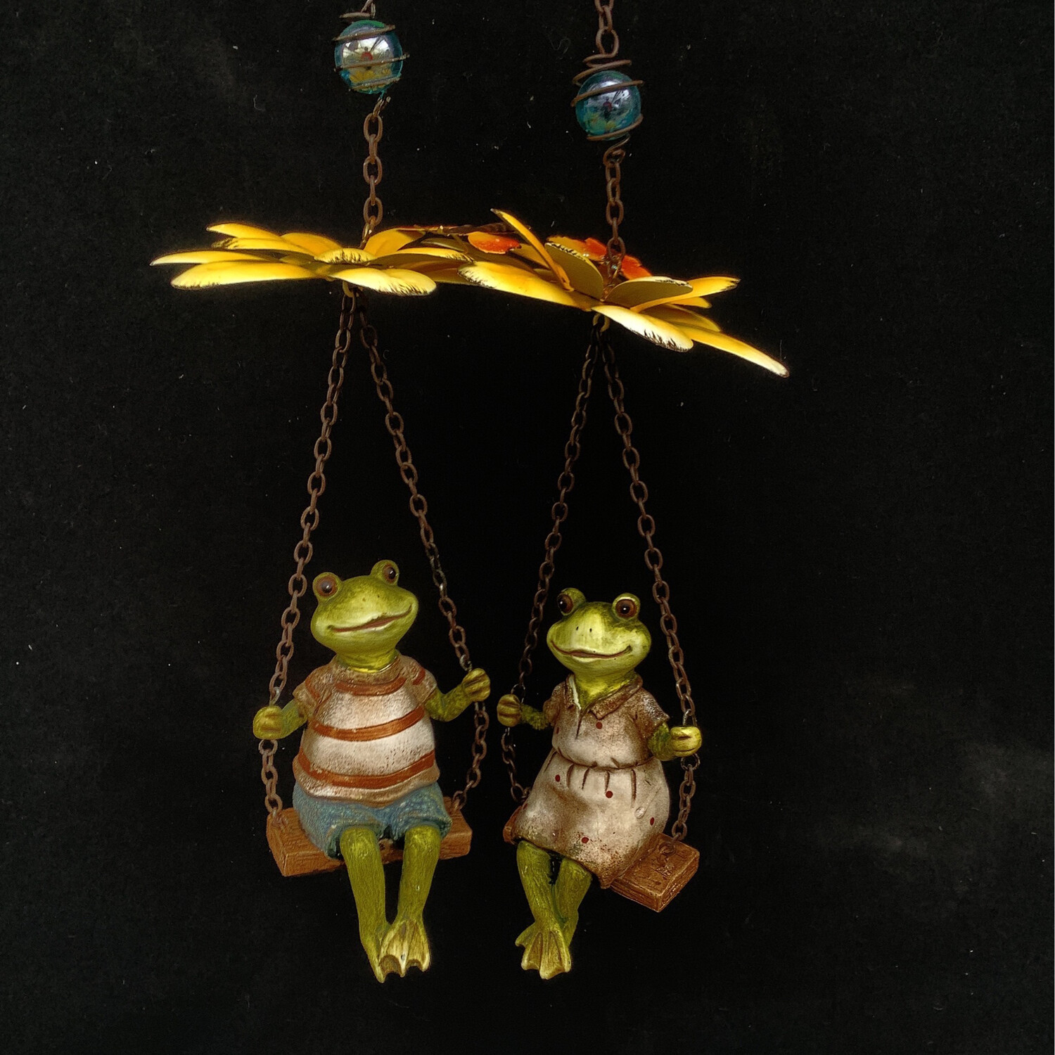 Mr. & Mrs. Frog Hanging Ornament Pair