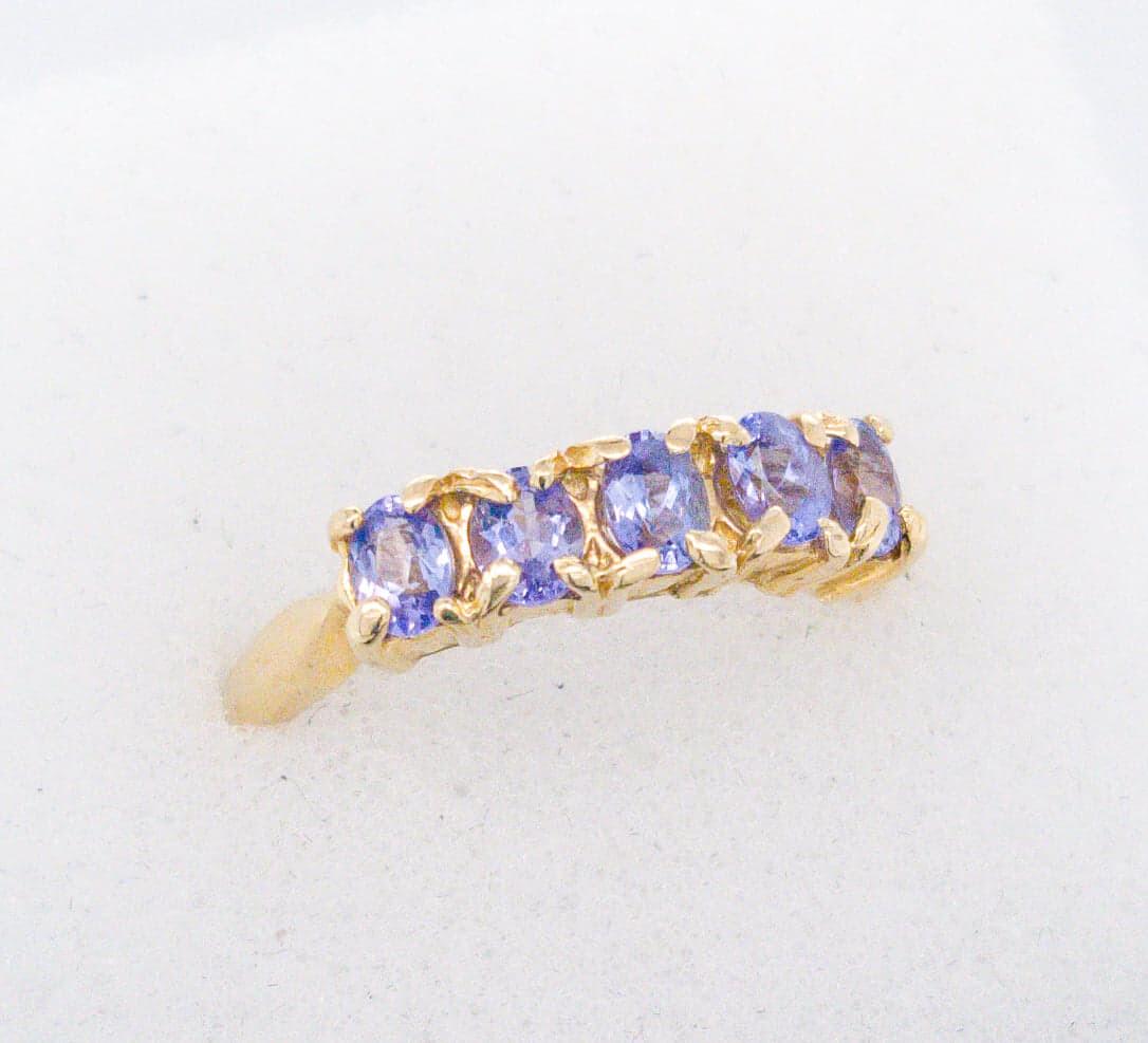 880-17 Vintage 5 Tanzanite Band Ring R200