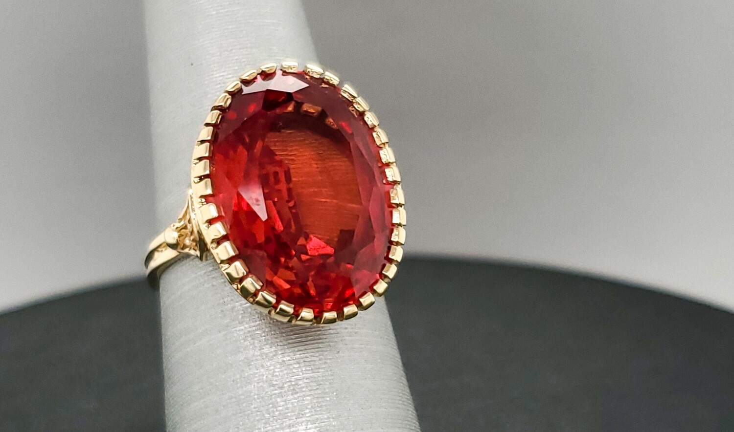 880-8 Vintage Large Filigree Garnet Ring R600