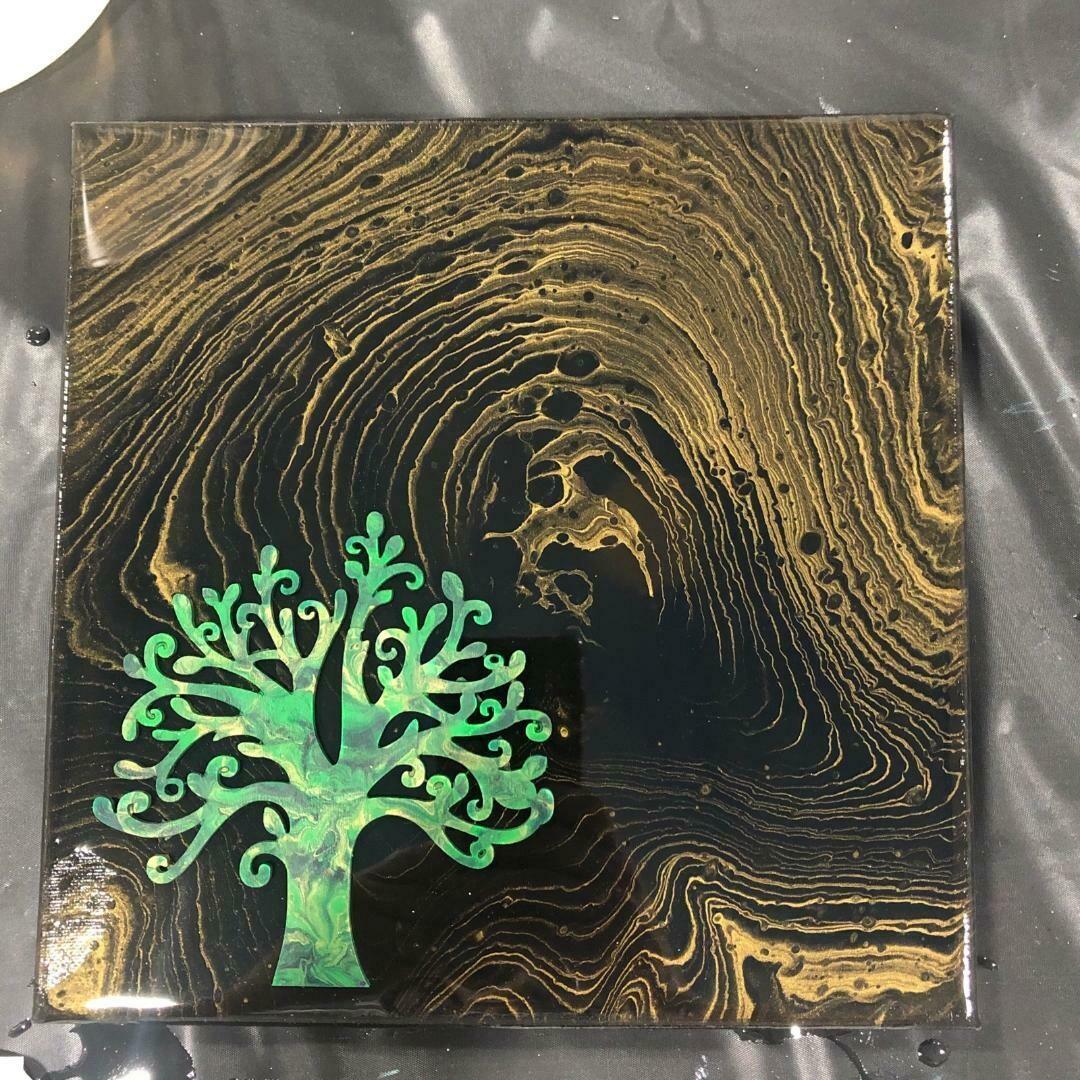Family Tree Pour