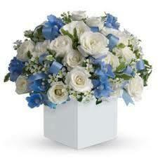 Composizione Floreale con inserti azzurro/rosa/bianco