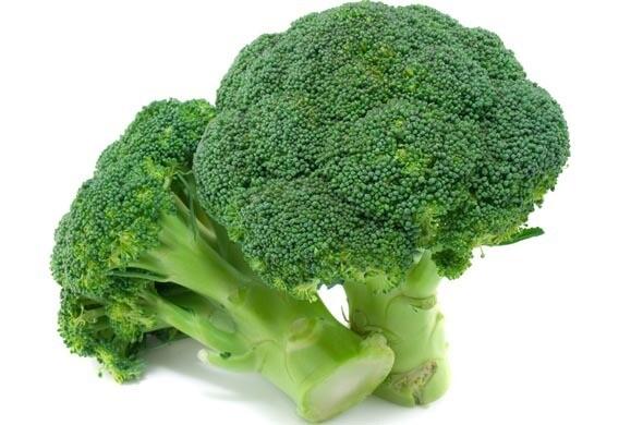 Chou brocoli. Orgeval.  1 tête d'environ 500 grs