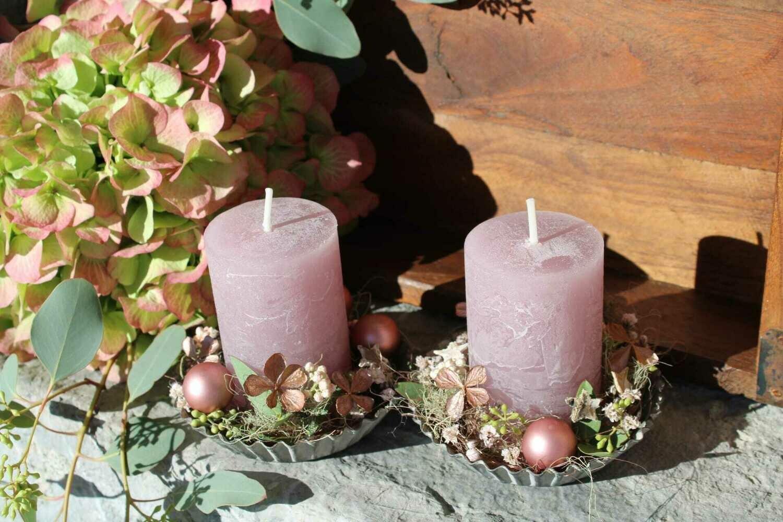 Kerze mit Blechteller