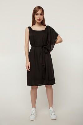 чорна сукня з шалем
