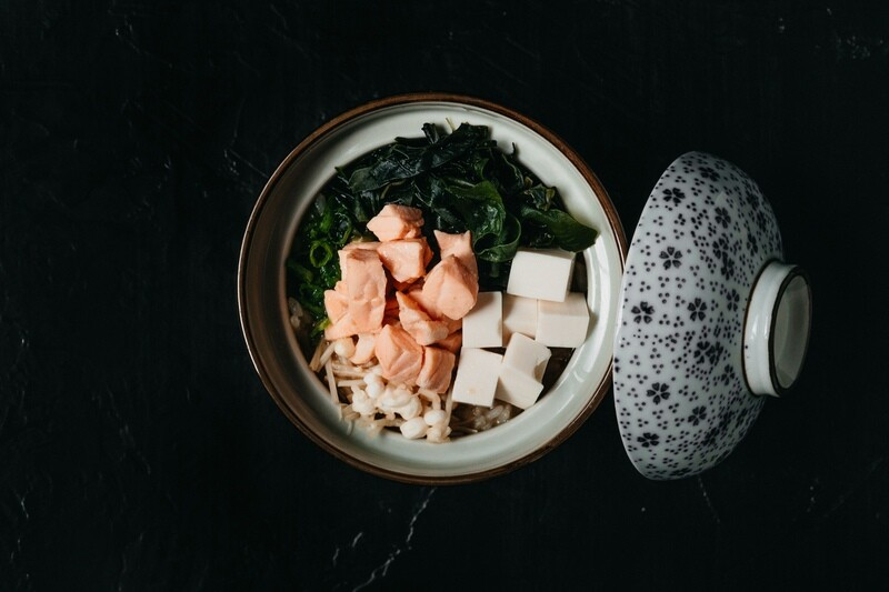 Мисо суп с грибами  и лососем
