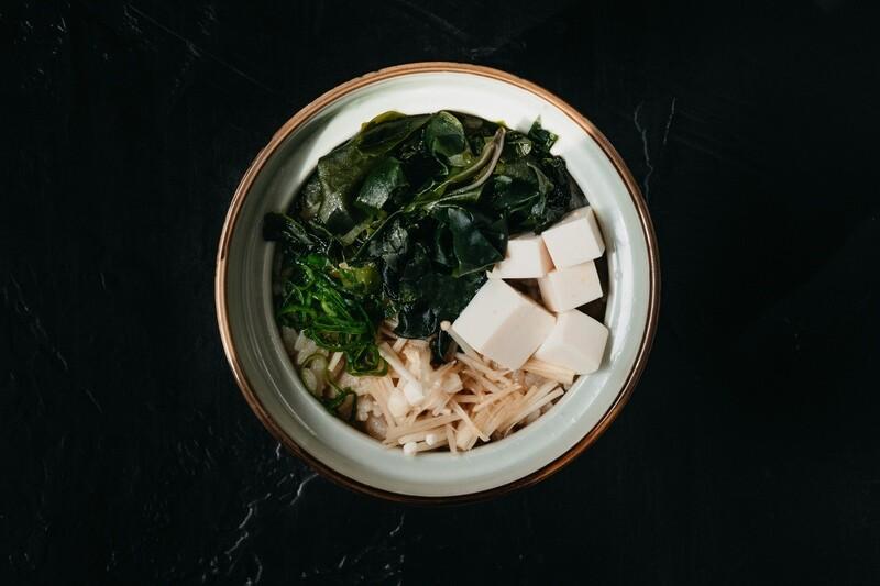 Мисо суп с грибами эноки