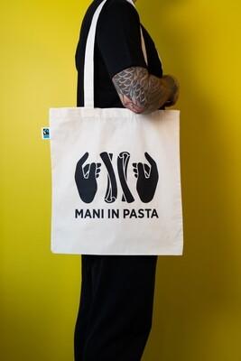 Mani in Pasta shopping bag