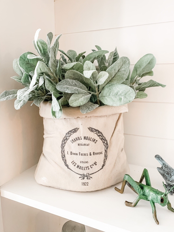 Feed Sack Planter (m)