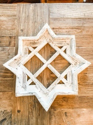 White Star Lattice Window