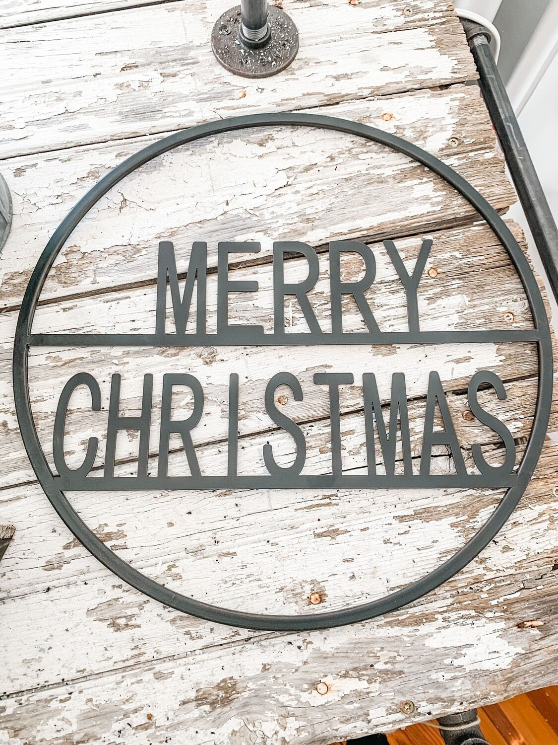 Round Metal Merry Christmas Sign