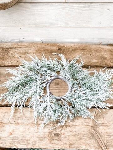 Snowy Cedar Candle Ring