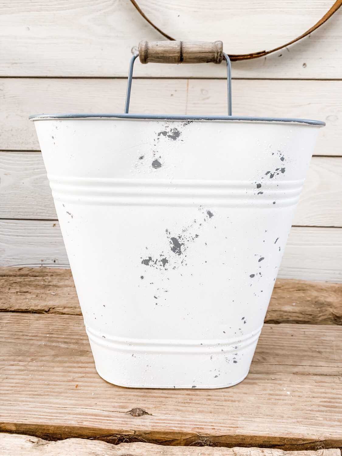 Metal Wall Bucket M