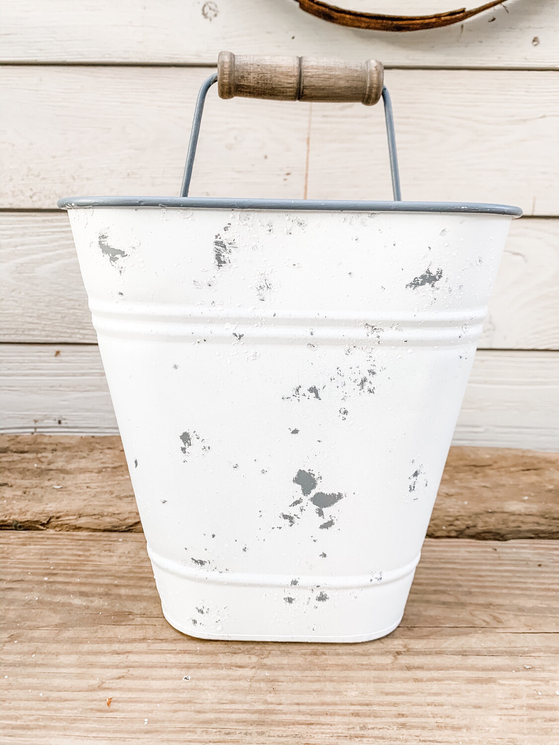 Metal Wall Bucket S