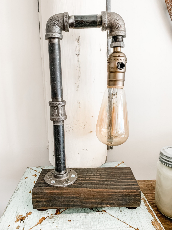 Single Bulb Industrial Light