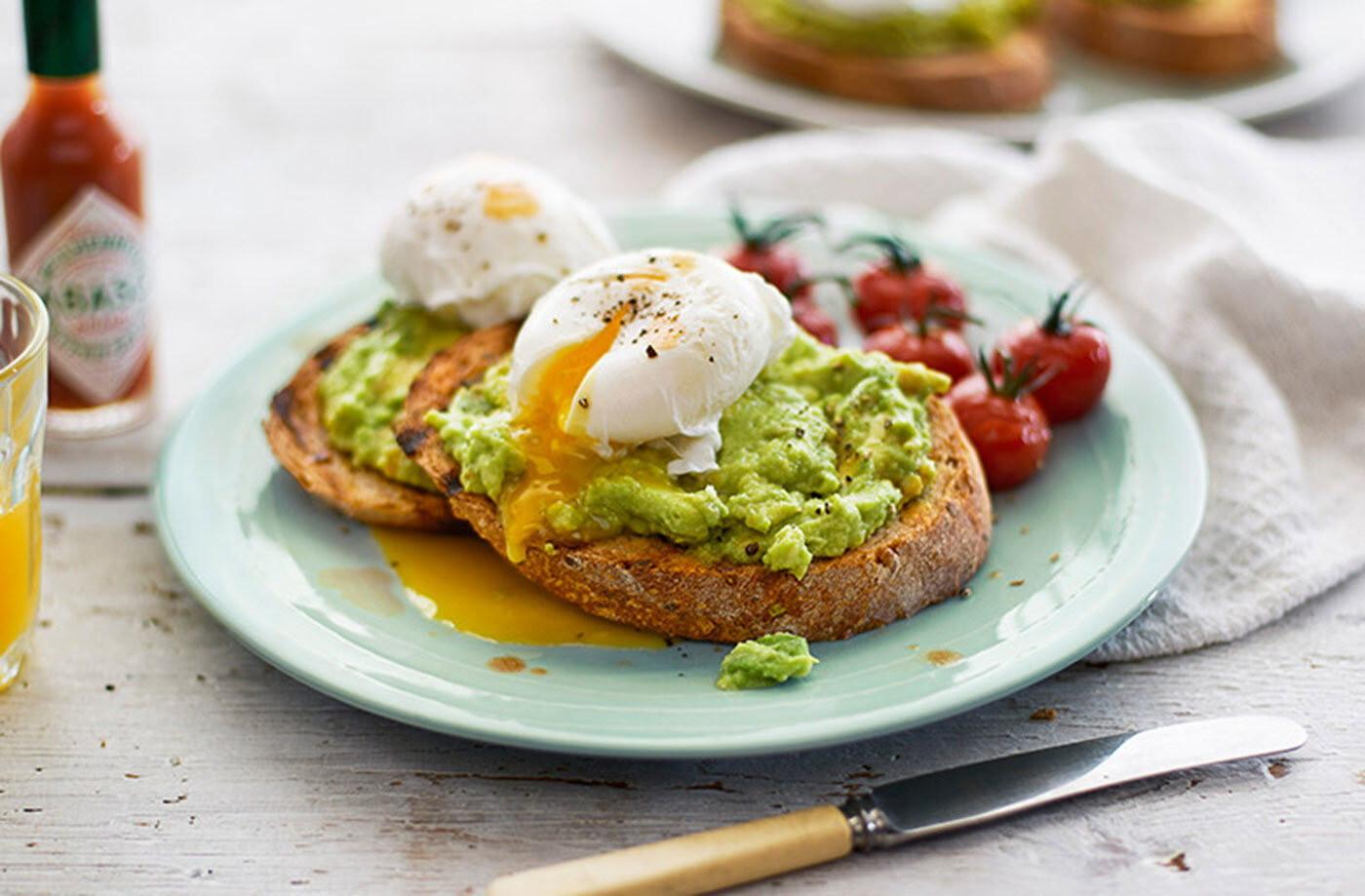 Avocado & Poached Eggs