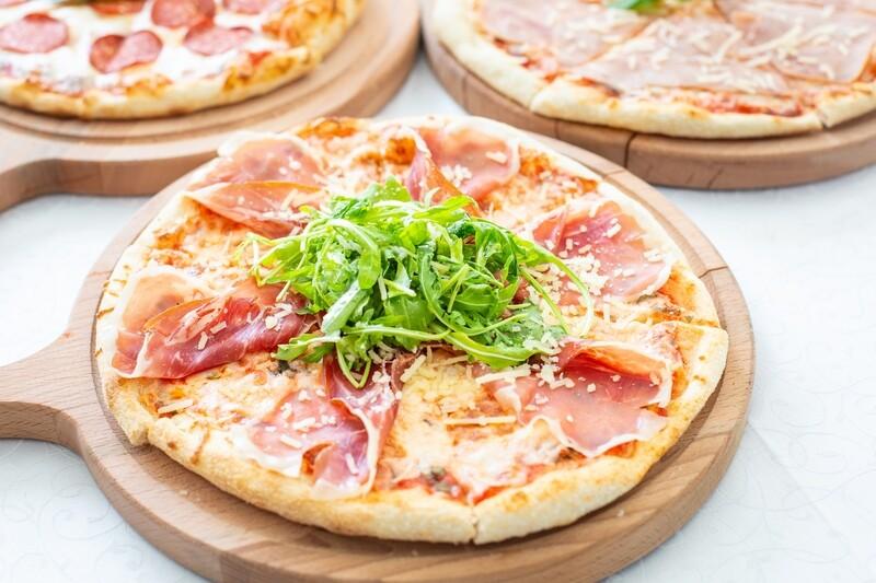 Пицца с ветчиной и грибами ХИТ