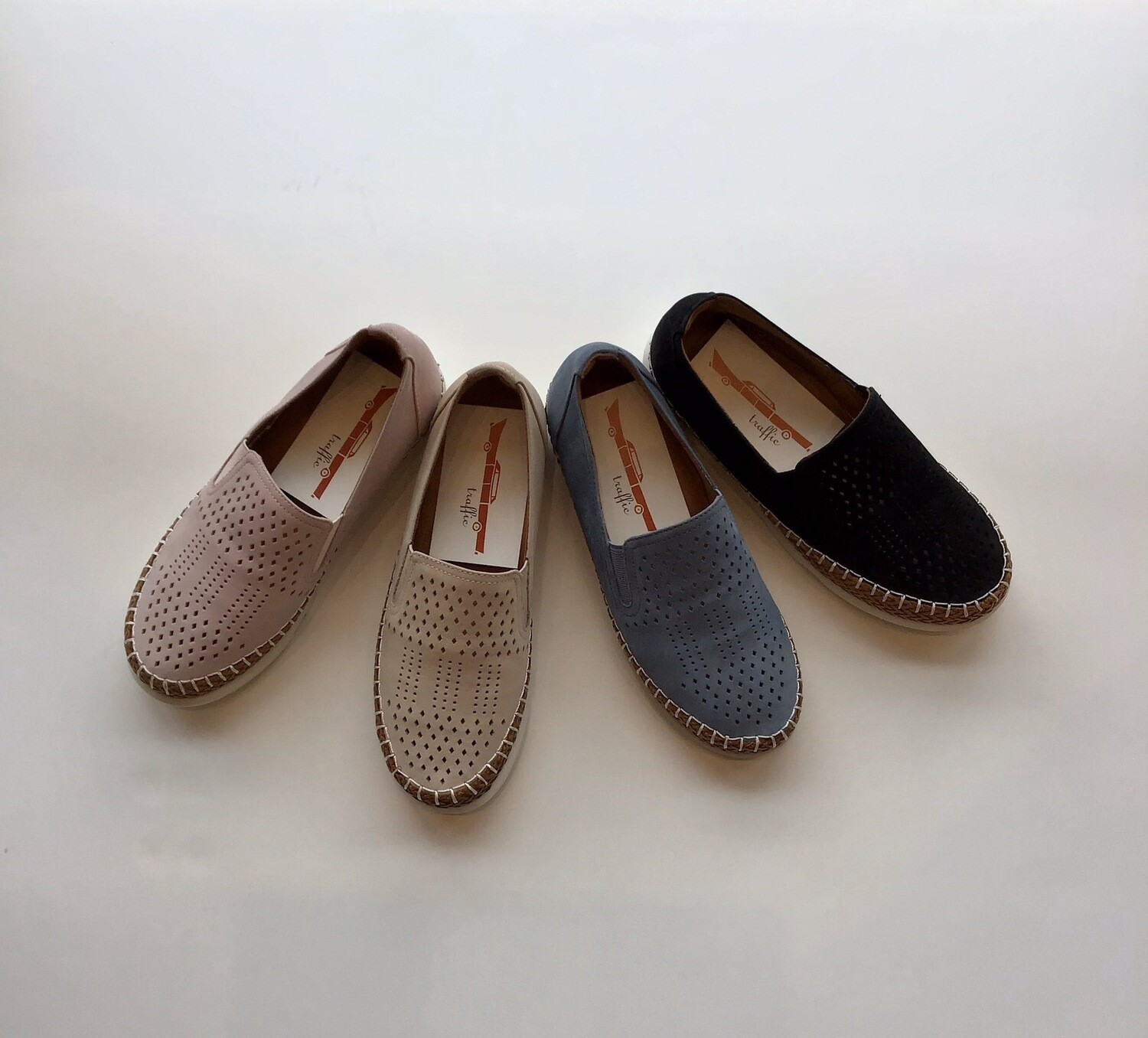 Cut out nubuck loafer
