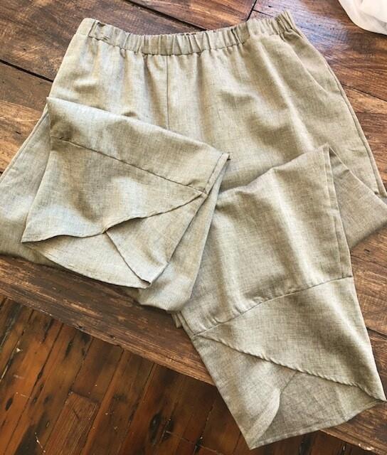 Tulip Hem Linen Pants