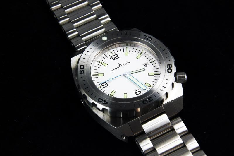 Swiss Made Prometheus Manta Ray Men's Diver Watch White Dial 1H