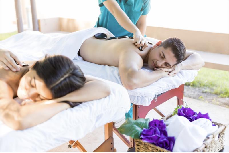 Massage aux pierres chaudes et thé gourmand en duo