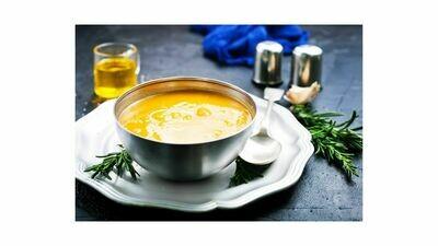 Pompoensoep met broodcroutons & Gruyère kaas.