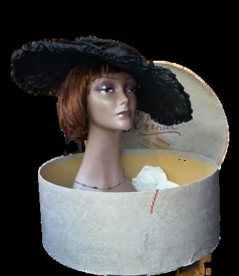 Pamela Vintage con sombrerera