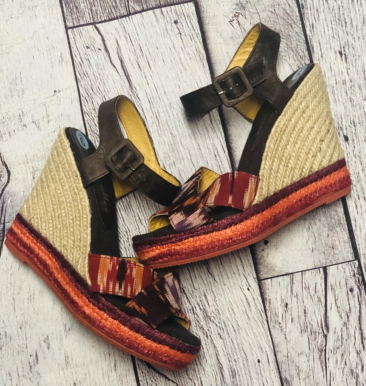 BETTYE MULLER Tri Color Aztec Wedge Sandals size 7