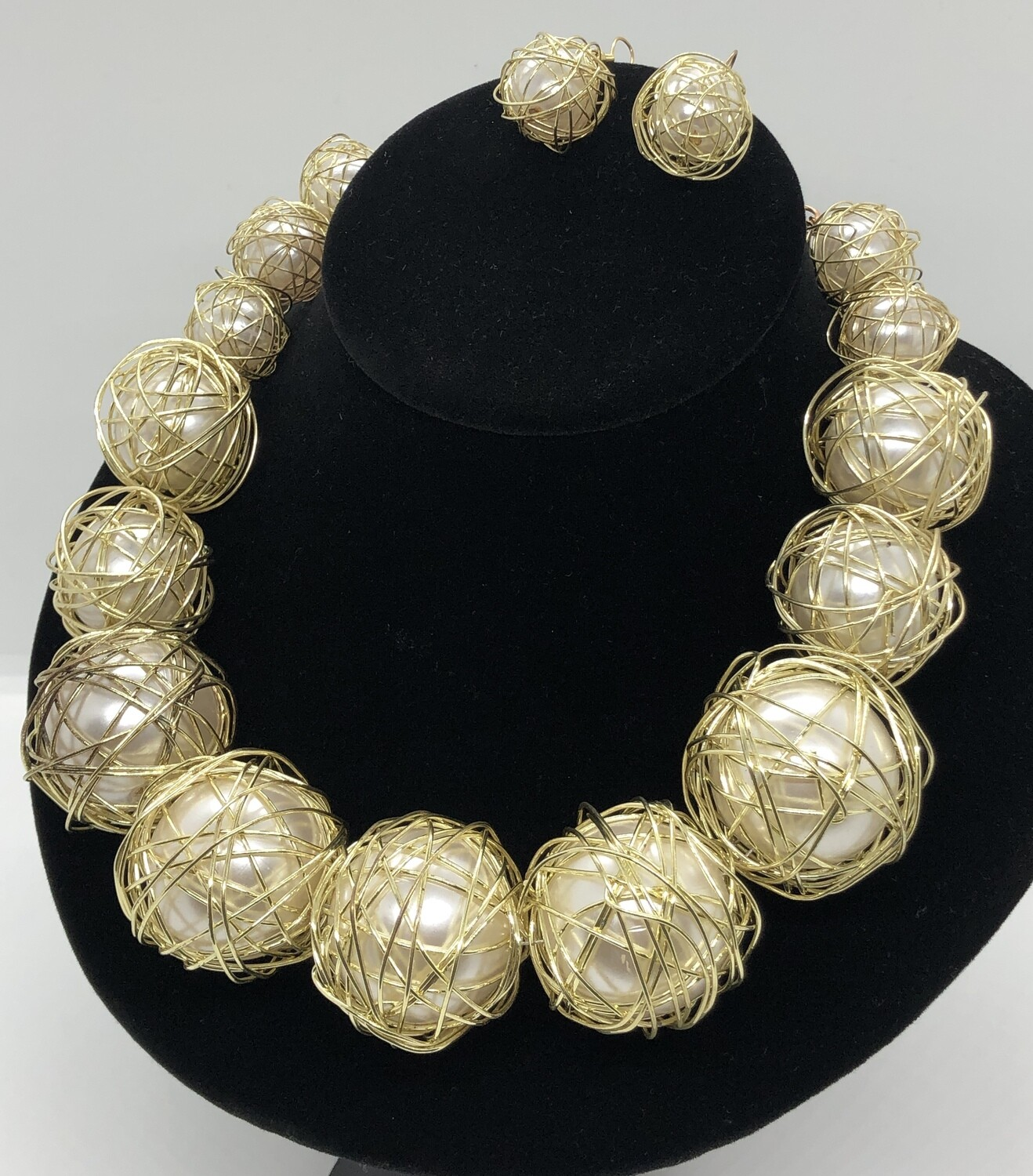 2pc Oversized Pearl & Gold Wire Necklace & Earring Set