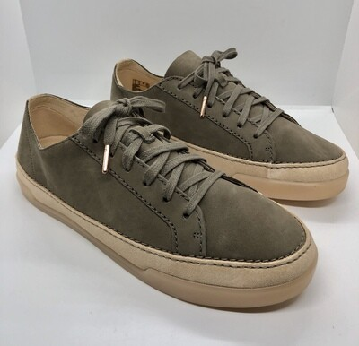 Ladies CLARKS 2-Tone Suede Lace Up Sneakers size 9 1/2